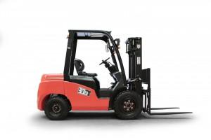 Motostivuitor GPL NISSAN - capacitate 2500 kg - CPQD25T8